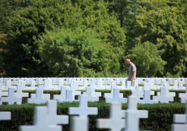 Investir em cemitérios pode ser muito mais lucrativo do que você imagina