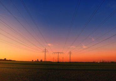 É seguro investir em empresas de energia na bolsa? Confira a análise completa