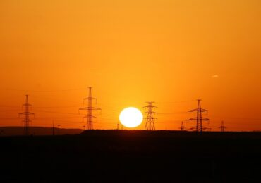 Aumento na conta de luz gera forte demanda por energia solar