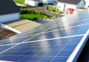 Energia solar atrai investimentos bilionários e cresce 63% no Brasil