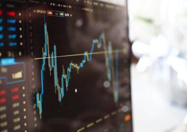 Queda da bolsa de valores acende alerta e reforça importância da diversificação